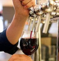 Vino rosso e bianco alla spina