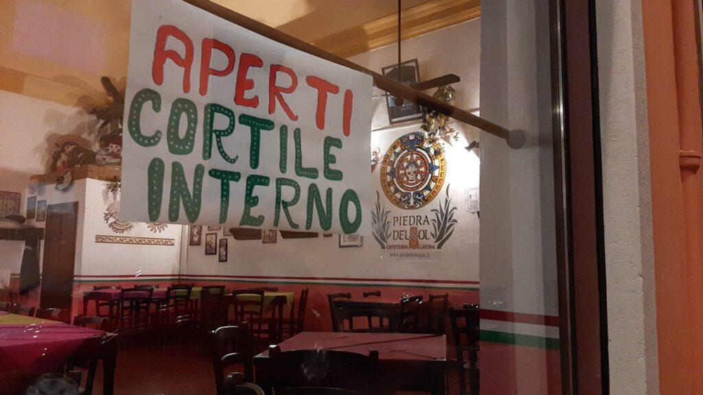 ristorante-messicano-cortile-esterno-aperto-covid